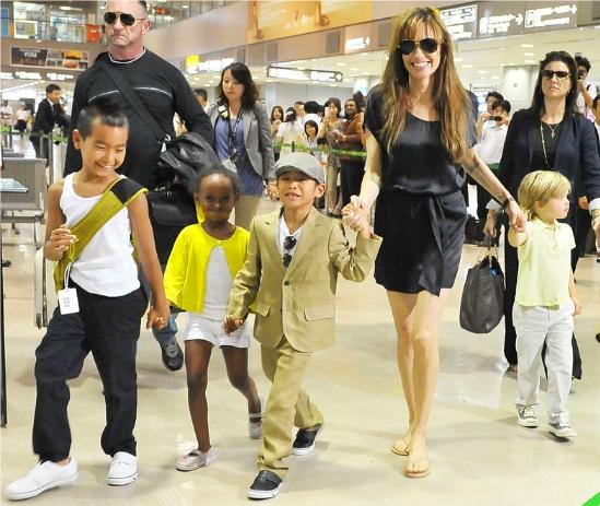 Angelina Jolie e Filhos